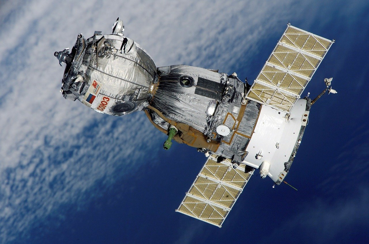 Scientists Developing Robotic Networks to Make Smart Satellites