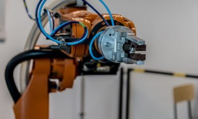 Industrial Robotics Company ABB Joins Up With AI Startup Covariant